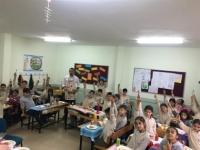 Sınıfta Menemen Pişirip Ders Yaptılar